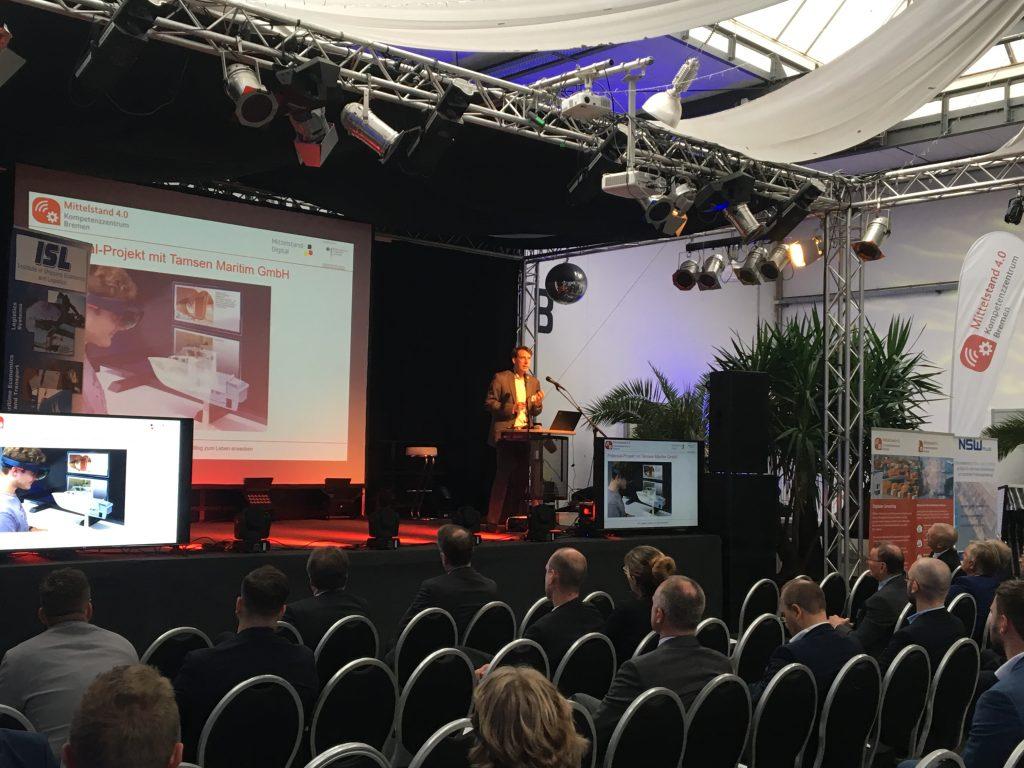 Vortrag auf Bühne