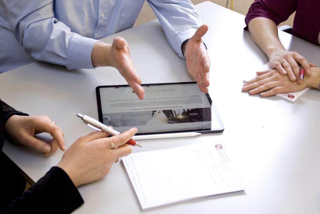 Workshop mit iPad und Notizblock